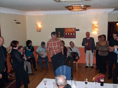Camerata Cantabile-Los irlandeses enseñándonos a bailar la giga
